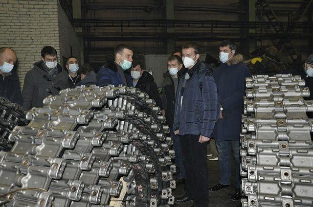 Коллектив военных врачей в сборочно-сдаточном производстве ПАО «Курганмашзавод».