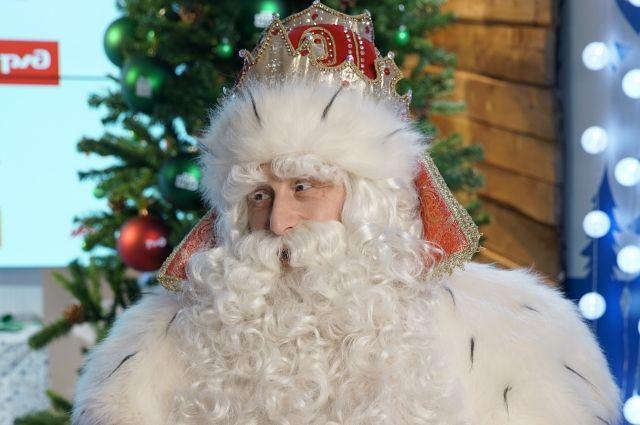 В этом году традиционное «Путешествие Деда Мороза с НТВ» проходит по-новому.