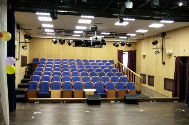 Здание бывшего кинотеатра «Пионер» передано городскому драмтеатру под руководством Сергея Афанасьева.
