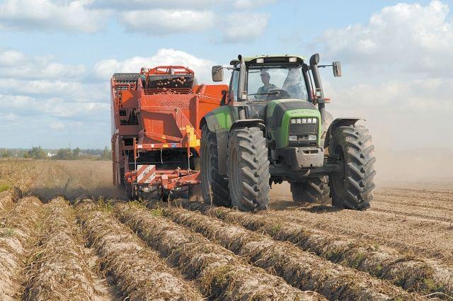 В этом году сельхозпредприятия закупили техники в два раза больше, чем в прошлом.