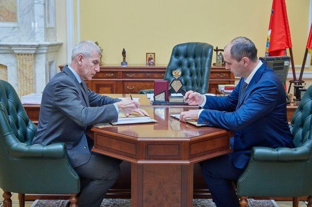 Министр спорта РФ Олег Матыцин встретился с губернатором Оренбуржья Денисом Паслером.