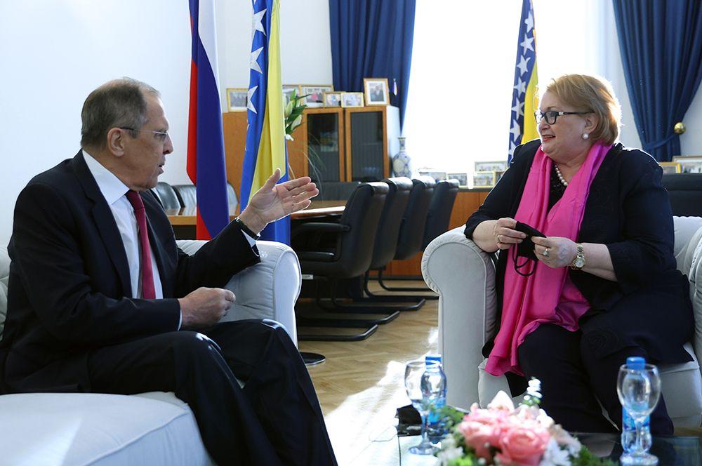 Министр иностранных дел РФ Сергей Лавров и министр иностранных дел Боснии и Герцеговины Бисера Туркович во время встречи.
