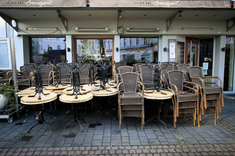 Закрытое кафе в Бонне.
