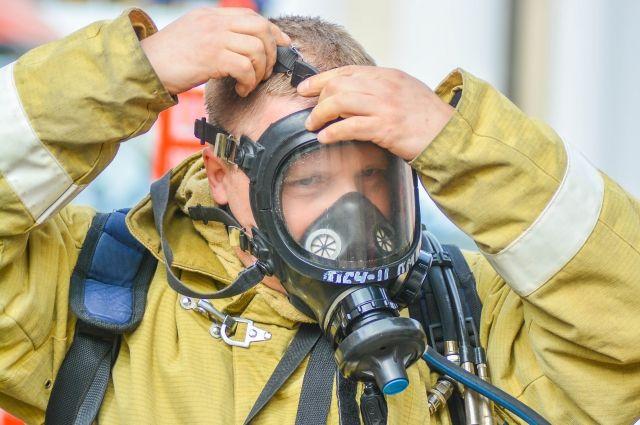 Профсоюз пожарных просит равную с федеральными частями зарплату, вернуть «горячий» стаж и принять закон о пожарной охране Пермского края.
