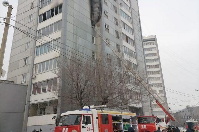 На место выезжали около 30 пожарных.