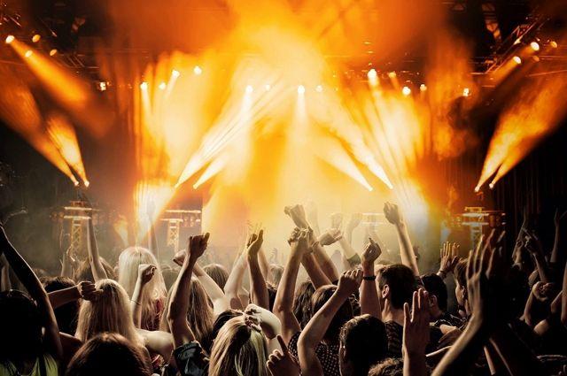 В соцсетях посетители концерта написали, что во время выступления не соблюдалась социальная дистанция и масочный режим