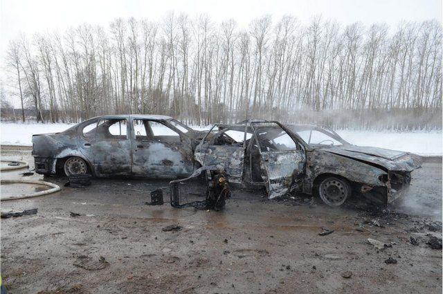 После ДТП на трассе в Башкирии сгорели два автомобиля, есть пострадавший