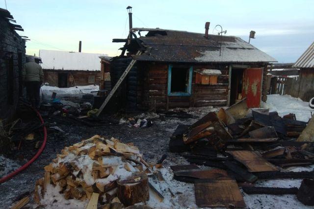 Глава семьи в момент трагедии был на работе, двое старших детей- школе.