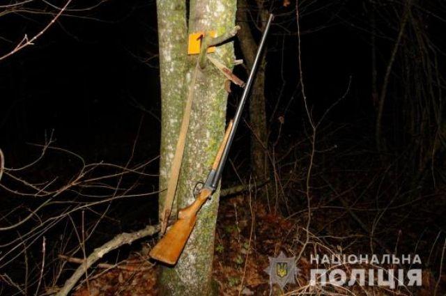 В Черновицкой области мужчина на охоте убил односельчанина.