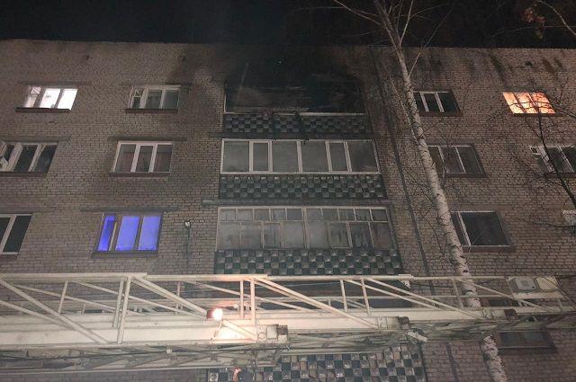 16 жильцов эвакуировано из-за пожара в многоэтажке в городе в Башкирии