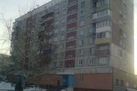 В Оренбурге мужчина погиб, выпав из окна квартиры на 9 этаже.