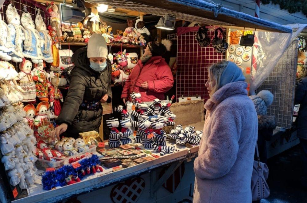Ярмарка на Манежной площади открылась 19 декабря.