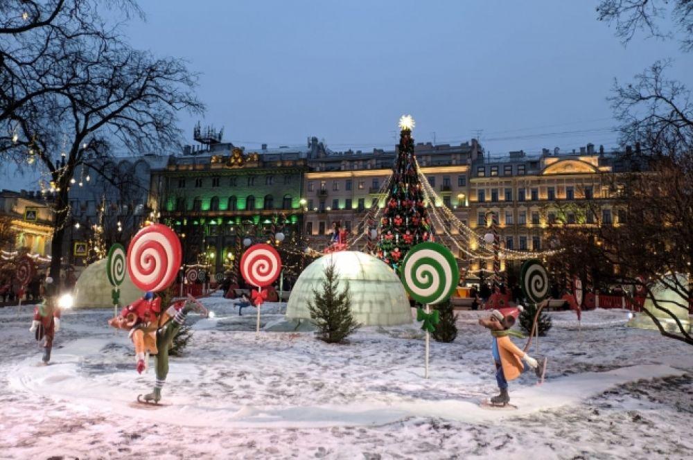 Ярмарка, как и в прошлом году, украшена в стиле сказки Гофмана.