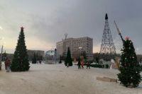 Высота оренбургской новогодней елки составляет 25 метров.