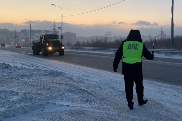 В Салехарде выявили пять водителей грузовиков и автобусов, нарушивших ПДД