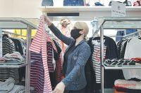 Губернатор Новосибирской области Андрей Травников заявил, что готов ввести новые коронавирусные ограничения в торговых центрах.