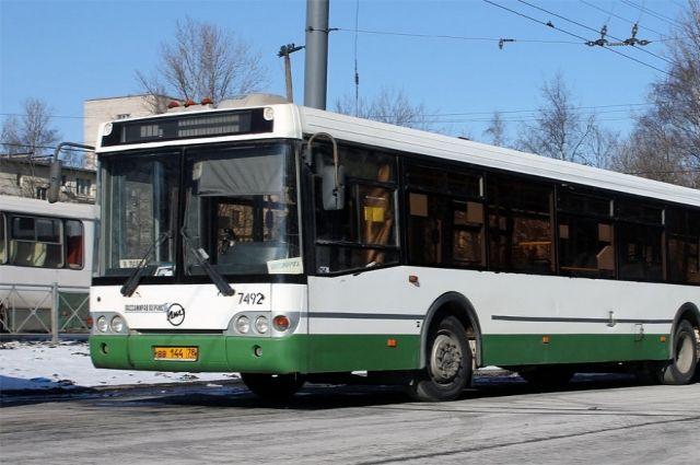 В Октябрьском районе продлили несколько маршрутов общественного транспорта.