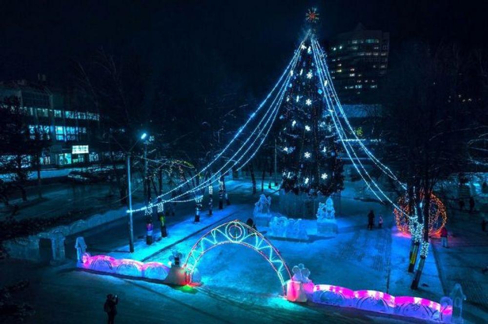 Ледовый городок возле детской филармонии, проспект Октября