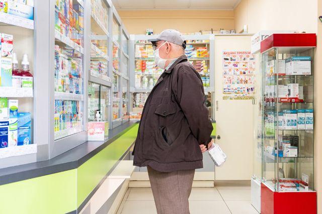 Пенсионеры сообщают о нехватке в аптеках лекарств, не связанных с коронавирусом.