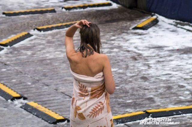 Власти Новосибирска запретили проводить праздник Крещение Господне в столице Сибири. Причина — распространение коронавируса.