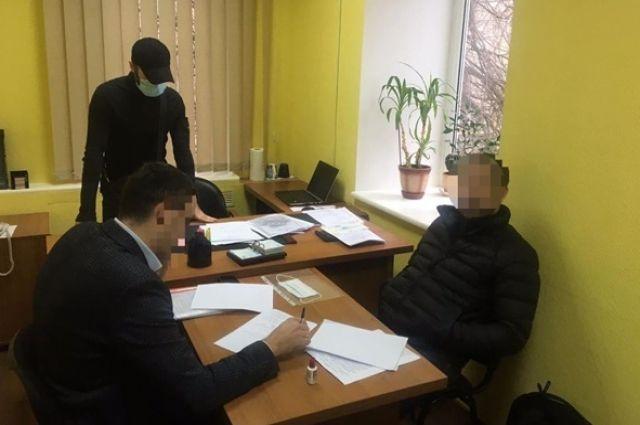 СБУ поймала бизнесмена, который предлагал чиновникам два млн гривен взятки.
