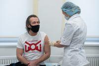 На базе городских взрослых поликлиник развёрнуты 70 пунктов вакцинации.