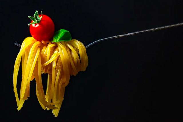 Доктор Мясников рассказал, как избавиться от пищевой зависимости