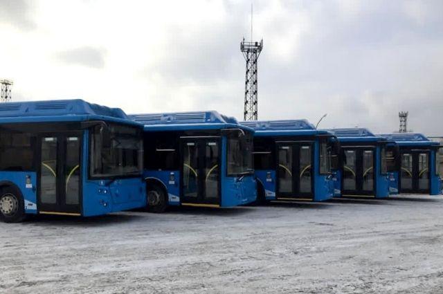 В Кузбасс продолжаются поставки новых современных автобусов.