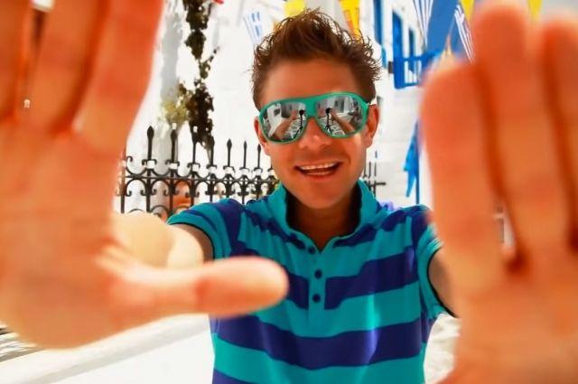 Новосибирский певец Митя Фомин отправился на отдых в горнолыжный комплекс республики Башкортостан и поделился с подписчиками видео из сауны в социальной сети Инстаграм.