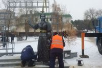 После скандала памятник Аленке в Нововоронеже демонтировали.