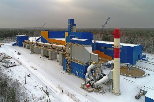 Для контроля качества сырья и выпускаемого продукта на заводе «АТОМ Цемент» действует собственная высокотехнологичная лаборатория.