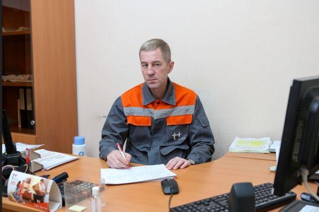 многолетняя надежная и ответственная работа заместителя начальника цеха по турбинному отделению Новокуйбышевской ТЭЦ-1 Игоря Аристова была отмечена Почетной грамотой Губернатора Самарской области.