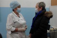 Анастасия Крутень признала, что в территориях сохраняется дефицит медицинских кадров.