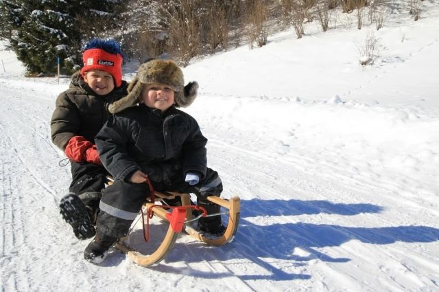 Январские каникулы - время зимних развлечений.