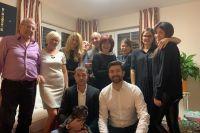 Вся семья собралась на Рождество.