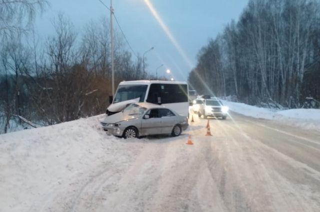 Травмы получил и сам водитель без прав, и его 16-летний пассажир