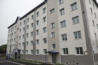 Надзорное ведомство обратилось с исками в суд, который принял решение выделить положенные сиротам благоустроенные квартиры.