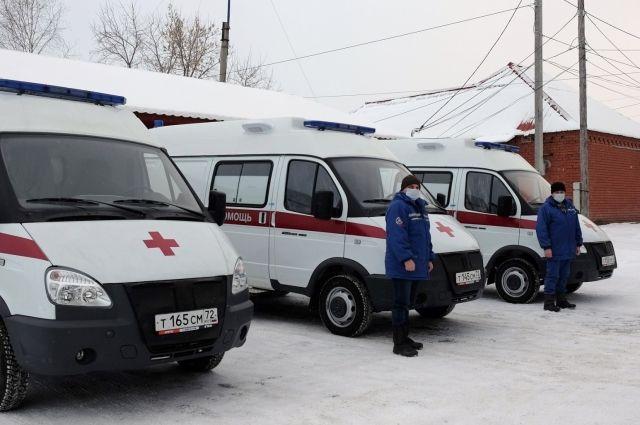 Автопарк одной из больниц Тюменской области пополнили семь новых машин