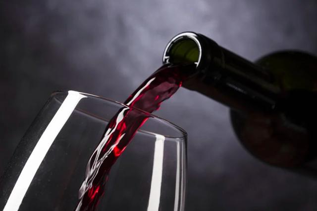 продажа алкоголя в ночных клубах