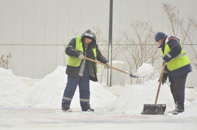 В выходные дни в Оренбургской области ожидаются снег и порывистый ветер до 21 м/с.