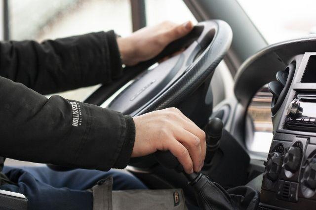 Ямальцам напоминают: в декабре нужно проверить водительские удостоверения