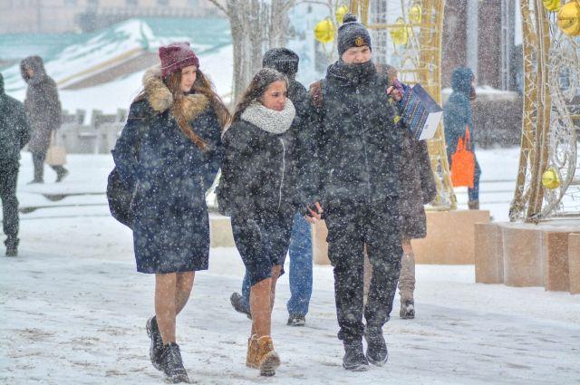 Последствия снегопада в Ижевске устраняли ночью 103 единицы техники