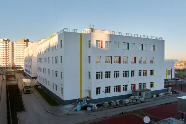 Школа на 1550 мест в Ленсоветовском.