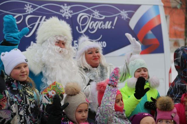 26 и 27 декабря новогодние праздники прошли в семи дворах Мотовилихи.