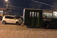 В результате ДТП медицинская помощь понадобилась водителю автомобиля Toyota Passo и двум его пассажирам