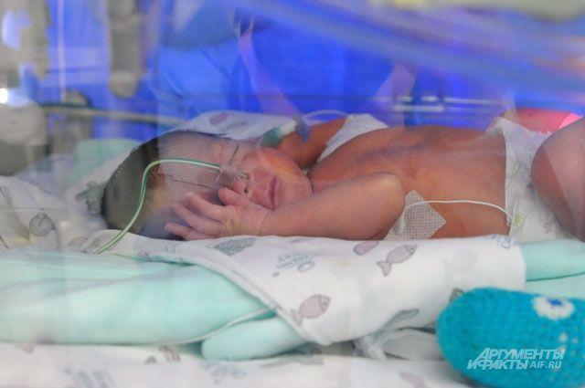 В Оренбурге женщине пришлось рожать в попавшей в ДТП машине скорой помощи.