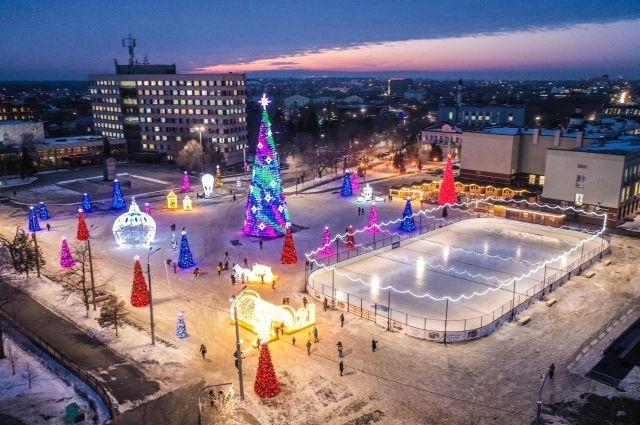 Оренбург дарит жителям и гостям подарки и готовит сюрпризы.
