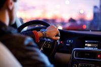 Оренбургским водителям напомнили о необходимости замены удостоверений с истекшим сроком действия.