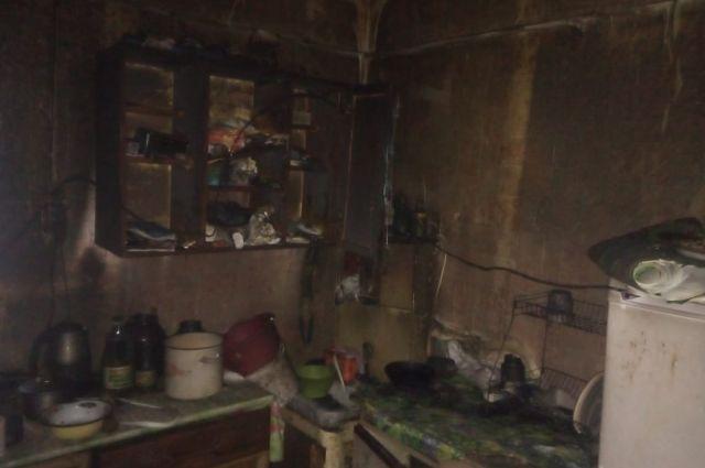 В доме, где живёт женщина с 3-мя детьми, произошел пожар.