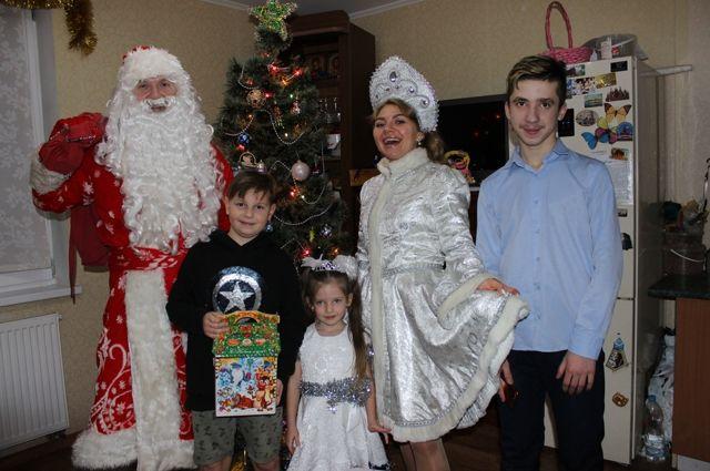 В семье Колышкиных Дед Мороз исполнил желания больших и маленких.